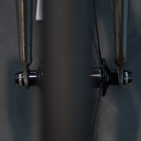 Hexlox skewers securing a front wheel