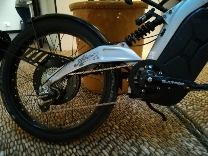 Aluminium swing arm and frame, keeps things stiff and light