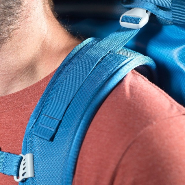 Well padded and adjustable straps made for a comfortable carry