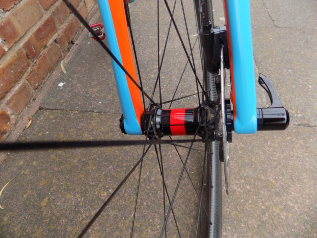 15mm Thru-axle helps control twisting forces generated by the disc-brake
