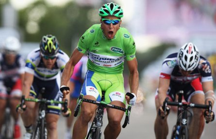 Peter Sagan wins Tour de France 2012 stage 6 hulk style