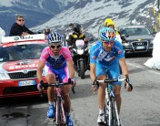 Johann Tschopp climbing Passo di Gavia (with Gilberto Simoni)