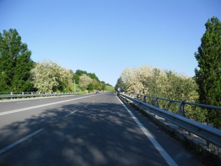 Cycling Tour in Italy, road to Pesaro, scenery