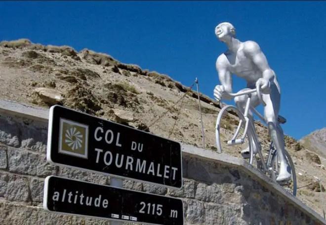 Col du Tourmalet - The statue of Octave Lapize