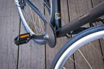 Efneo Gearbox installed on a commuter bike (front view)
