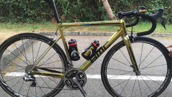Greg Van Avermaet's golden painted BMC Teammachine SLR01 bike