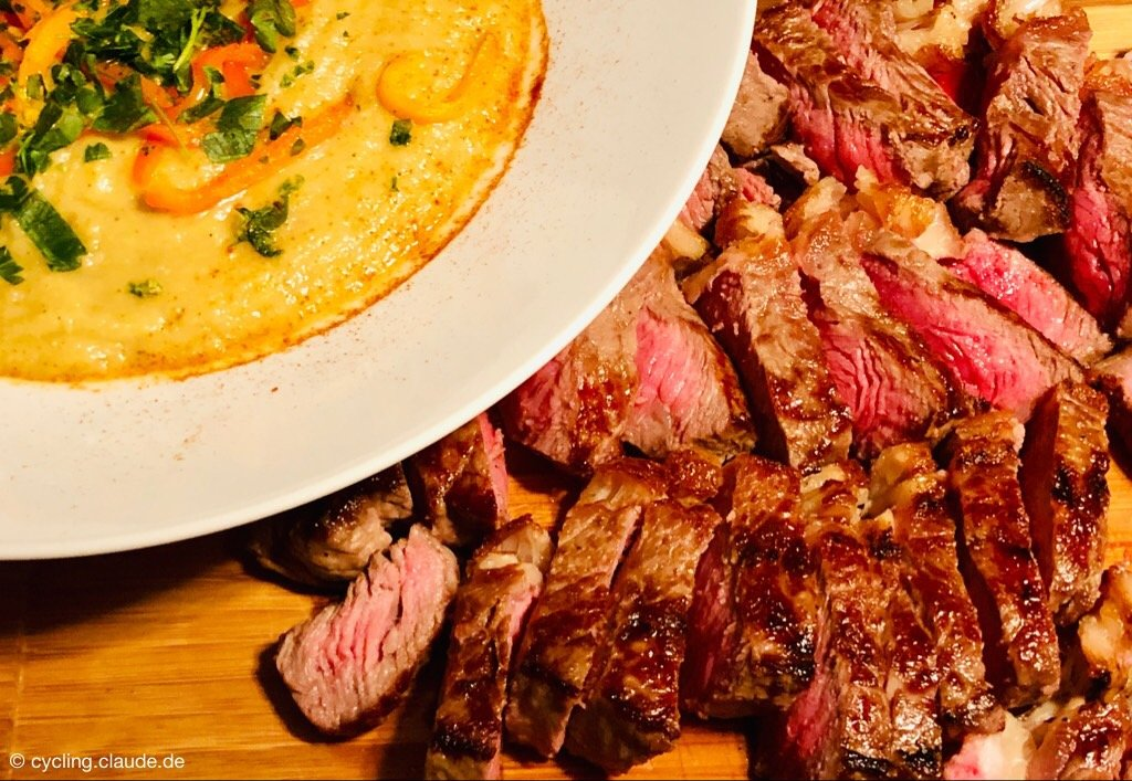 Auberginen-Püree mit Steak