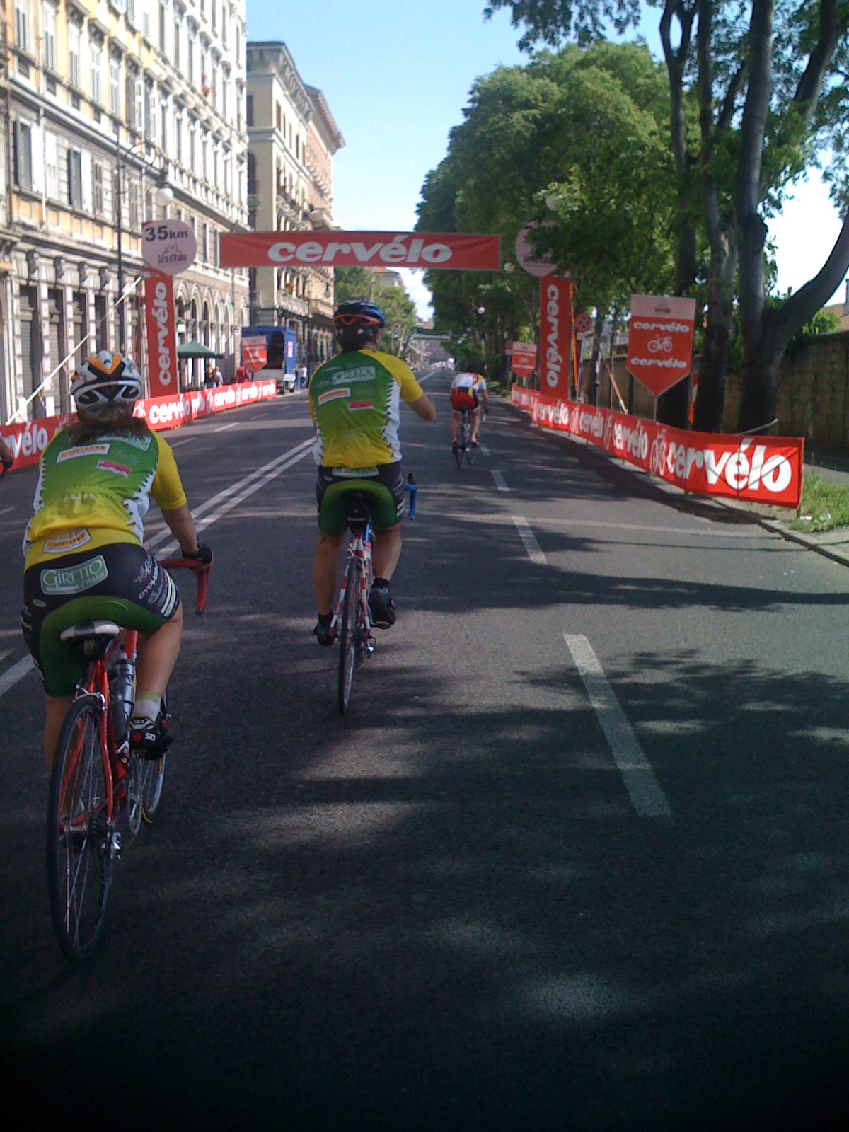 Gino and Nina entering Trieste on the race course