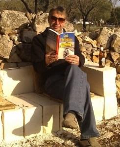 Armchair reader of Good Vibrations