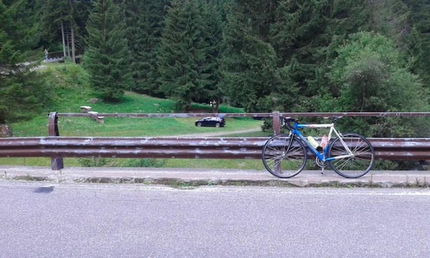 passo-manghen-in-bicicletta-da-molina-di-fiemme_grandi-salite-del-trentino_panorama-passo-manghen