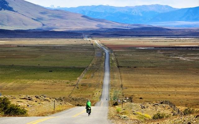 Patagonia in bicicletta: il viaggio in solitaria di Enrico