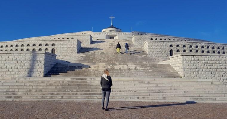 Sacrario monumentale del Monte Grappa: giù dai pedali per scoprire la storia