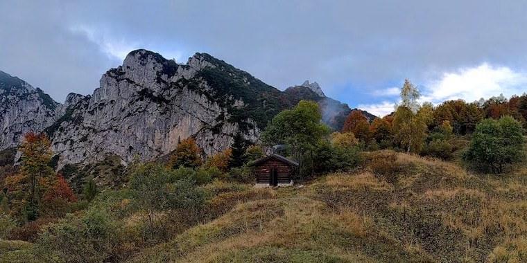 Trekking in Val Chialedina e notte in Casera Frugna: informazioni