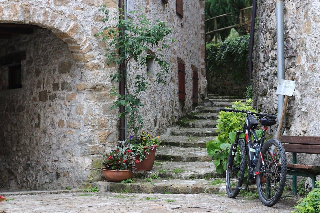 Noleggio biciclette ad Aviano: scopriamo E-njoy