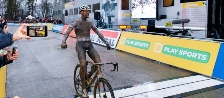 Mathieu Van der Poel - Vainqueur cyclo-cross Namur 2019 - Photo Alain VDP