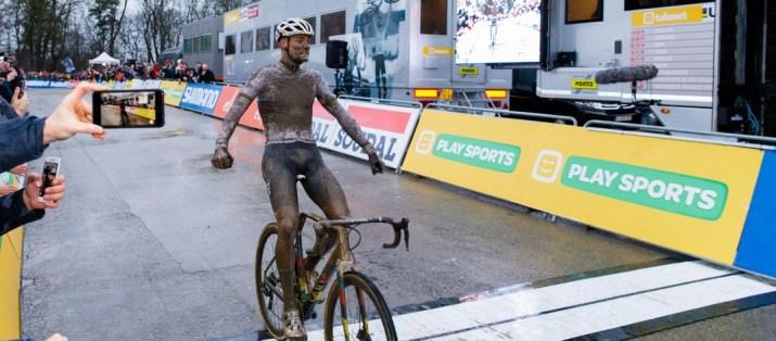 Mathieu Van der Poel - Vainqueur cyclo-cross Namur 2019 - Photo Alain VDP