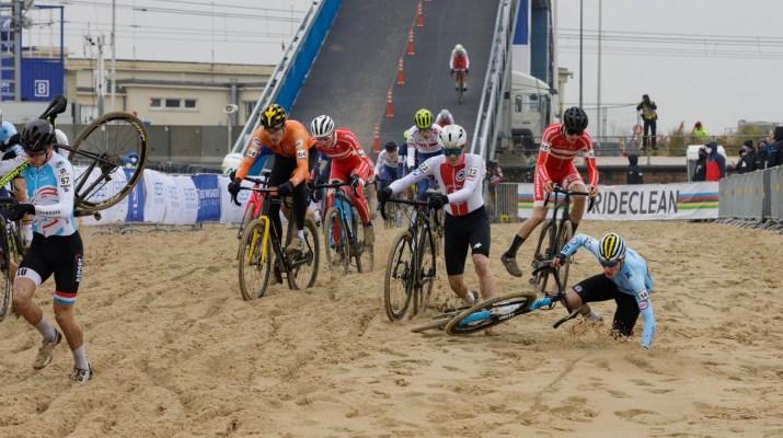 Descente du pont Espoirs - Championnats du monde cyclo-cross 2021 - Alain Vandepontseele