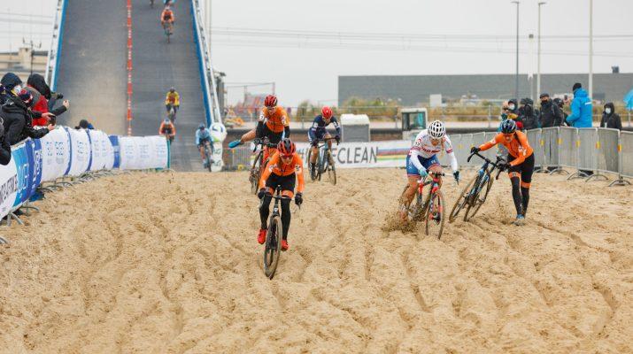 Denise Betsema en tête sur le sable - Championnats du monde cyclo-cross 2021 - Alain Vandepontseele