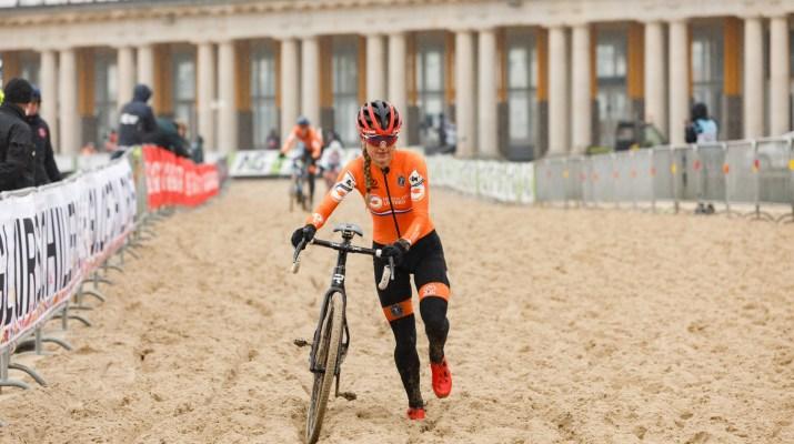 Denise Betsema leader - Championnats du monde cyclo-cross 2021 - Alain Vandepontseele