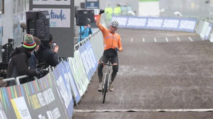 Mathieu Van der Poel Vainqueur - Championnats du monde de cyclo-cross 2021 - Alain Vandepontseele