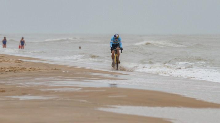 Wout van Aert Poursuite Solo - Championnats du monde de cyclo-cross 2021 - Alain Vandepontseele
