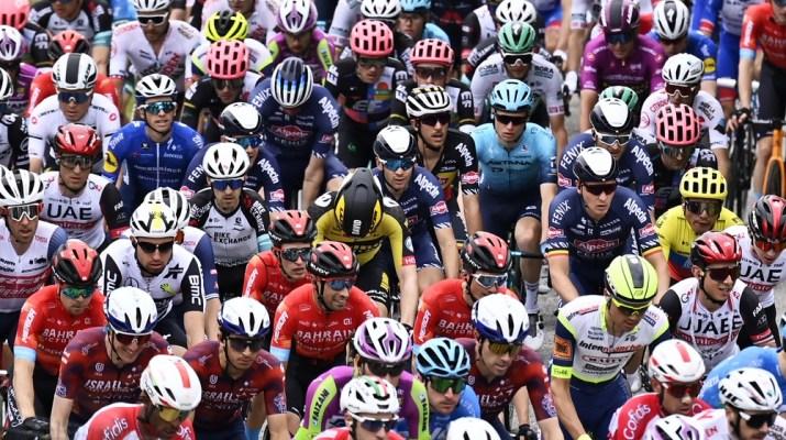 Peloton 3e étape Tour d'Italie 2021 - RCS Sport La Presse