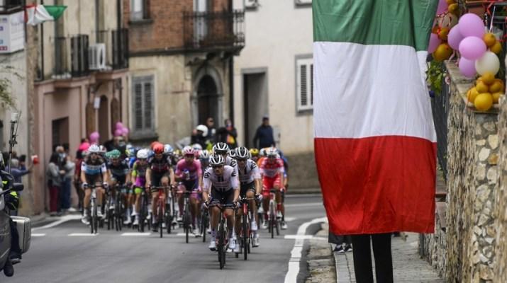 Peloton - 5e étape Giro Tour d'Italie 2020 - RCS Sport La Presse Fabio Ferrari