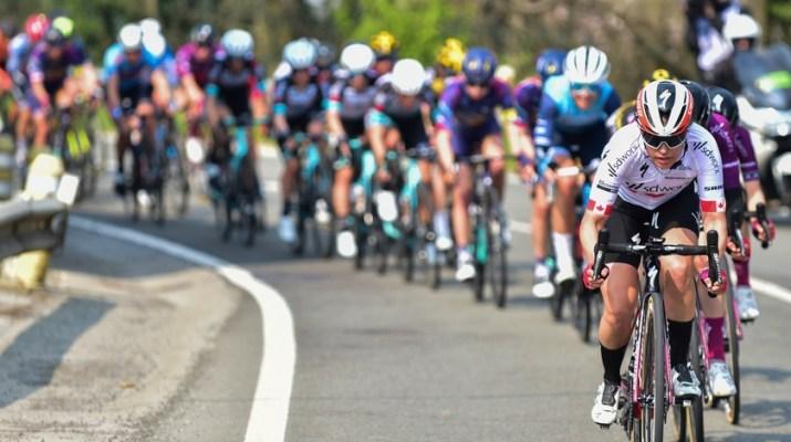 Peloton féminin - Flèche Wallonne féminine 2021 - ASO Gautier Demouveaux