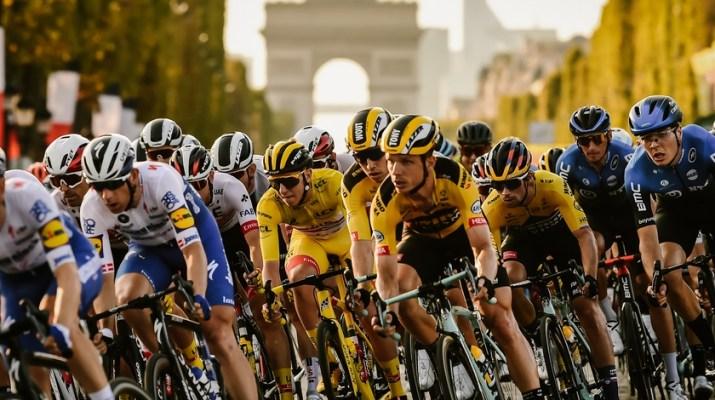 Peloton Champs-Elysées - 21e étape Tour de France 2020 - ASO Pauline Ballet