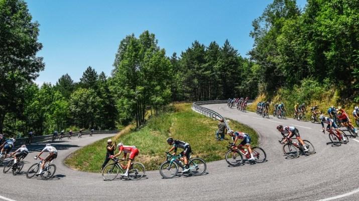 Peloton Descente - 14e étape Tour de France 2021 - ASO Charly Lopez