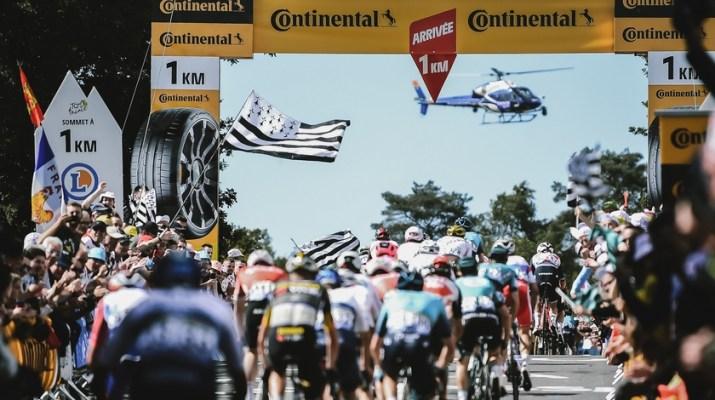 Peloton Mûr-de-Bretagne - 2e étape Tour de France 2021 - ASO Pauline Ballet