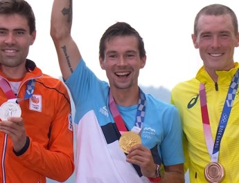 Podium final Contre-la-montre Hommes - Primoz Roglic Tom Dumoulin Rohan Dennis - Capture Eurosport