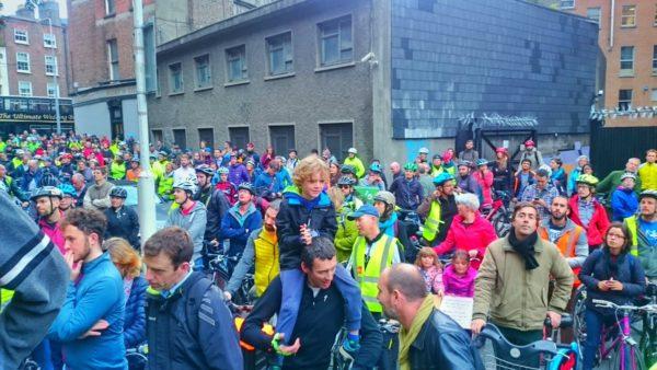 Massive cyclist protest in Dublin