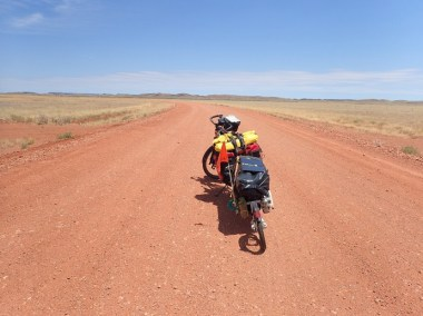 Back on the gravel: the Roebourne Wittenoon Road