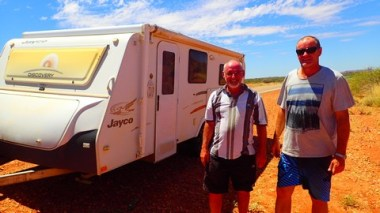 Ray (L) and Roger (R). My saviours, sparing me 3 days of wind-driven drama