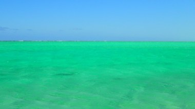 Check out the colour of the sea! Perfect