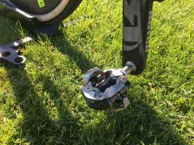 Prototype Shimano Pedals (now XTR) complete the build
