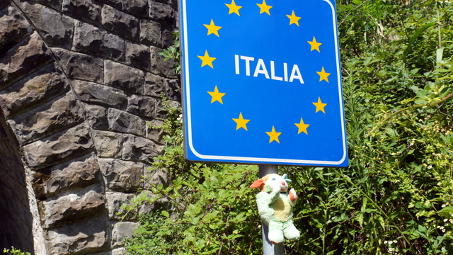 Pople dit au revoir à l'Italie