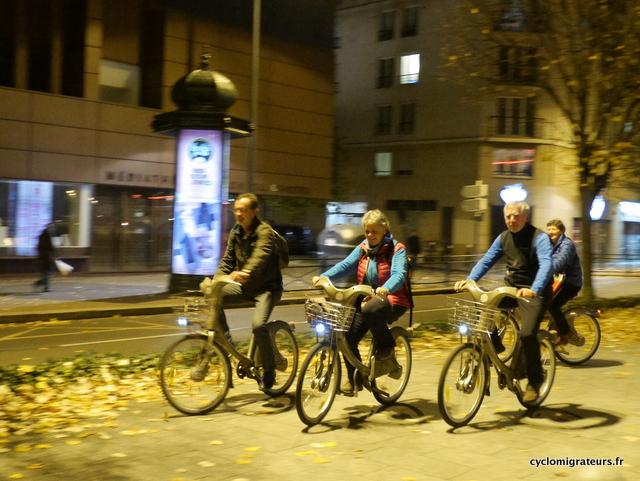 Edith & Michel qui ont, pour une fois, les mêmes vélos que les Cyclomigrateurs