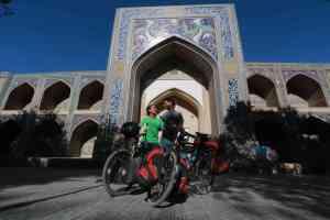 Turkménistan et Ouzbékistan : désert et dômes turquoises