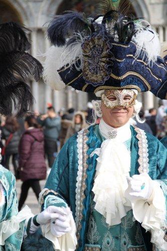 Un prétendant du plus beau costume du Carnaval