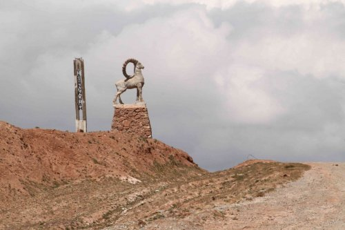 Col Kyzyl Art, vers le Kirghizistan