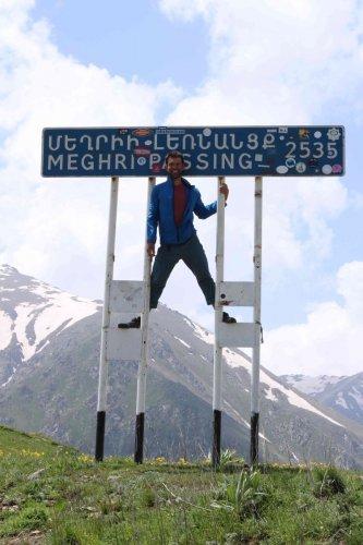 Jonathan au Meghri pass