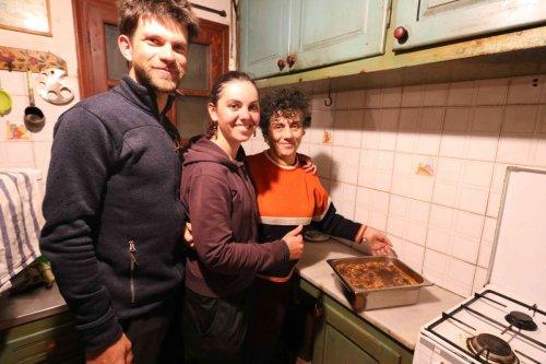 Préparation de la moussaka avec Agathi
