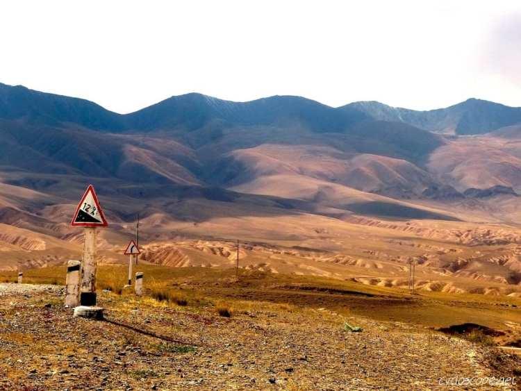 road Kochkor Song Kul