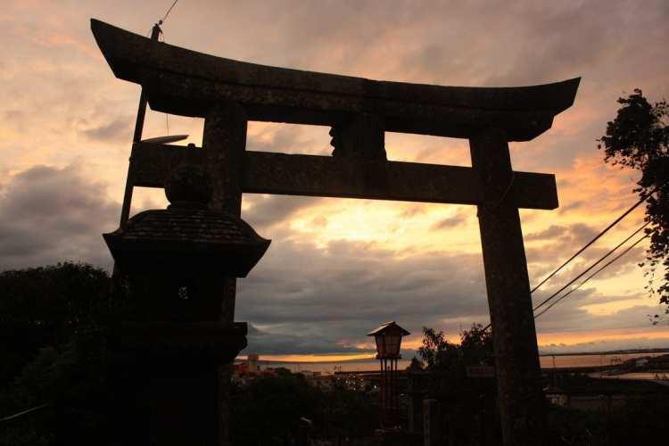 sunset tori