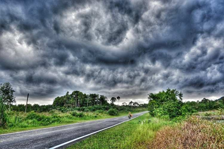 Monsoon Borneo cycle touring