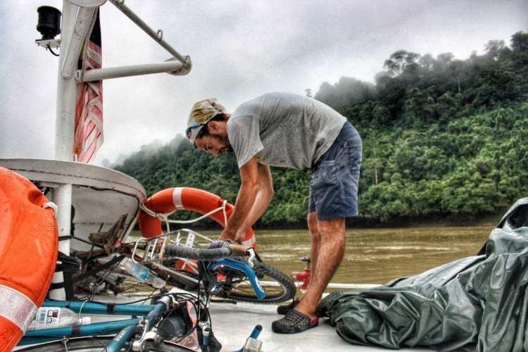 economica crociera in Borneo da Belaga a Kapit e Sibu