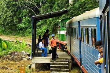 A Train through the jungle of Borneo: from Tenom to Beaufort 30