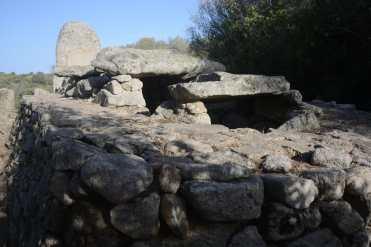 Giants' tomb